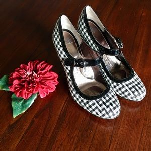 Sofft Houndstooth Mary Jane Heels sz 10 M